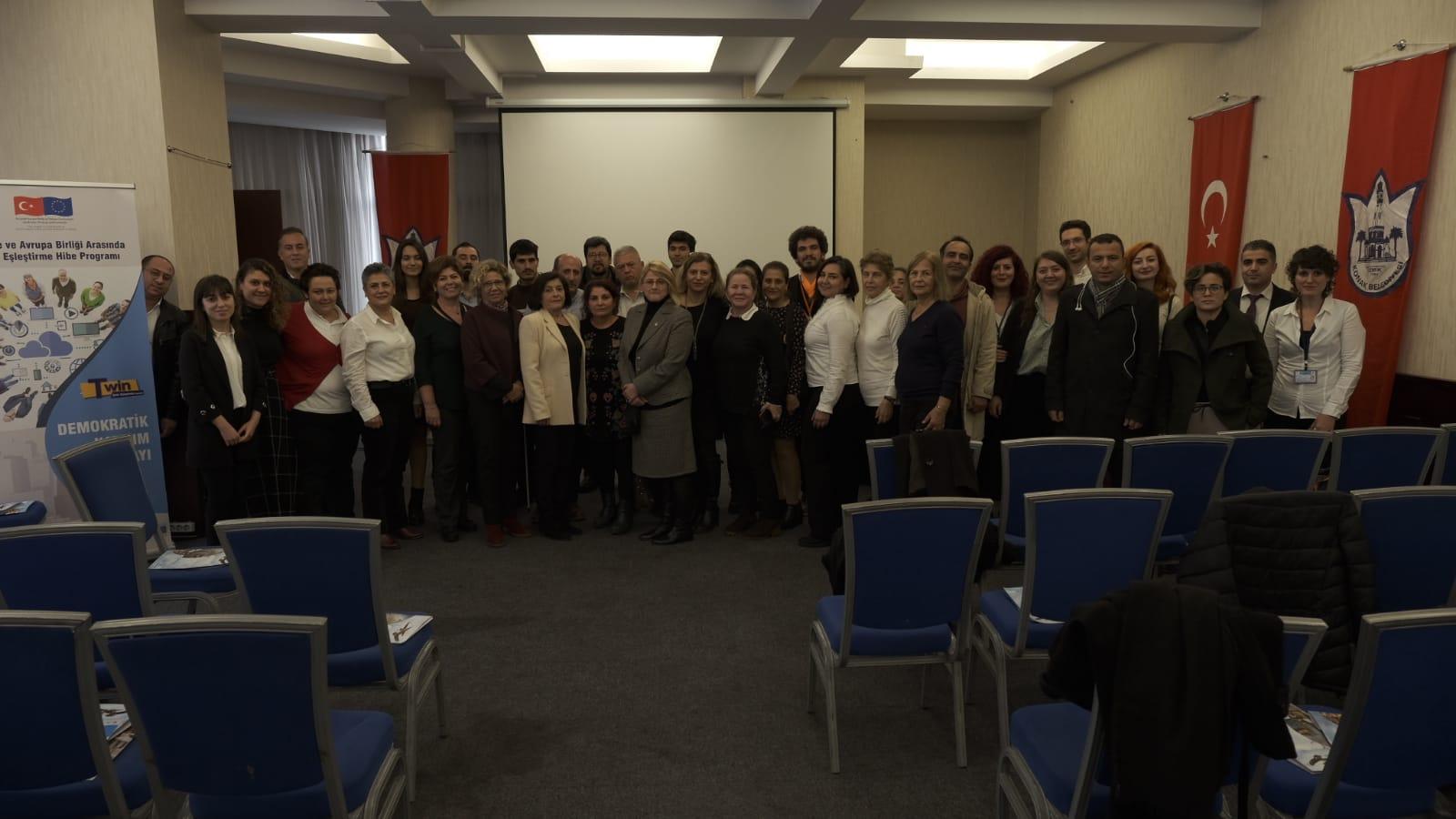 """Konak Belediyesi """"Demokratik Katılım Çalıştayı"""" düzenledi Kaos GL - LGBTİ+ Haber Portalı"""