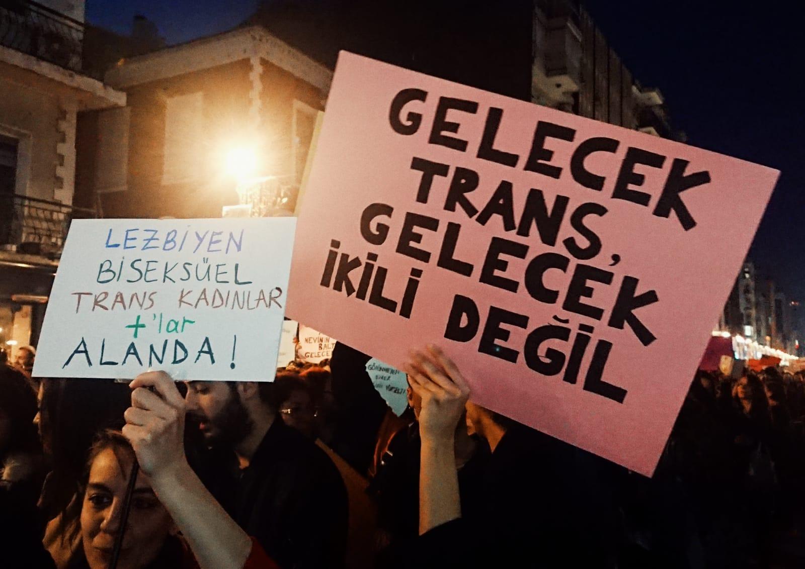 """İzmir'de Feminist Gece Yürüyüşü: """"Queer bir dünya için önce adalet!"""""""